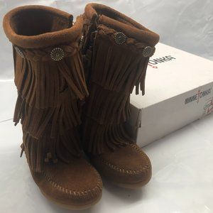 NIB Minnetonka Fringed Brown Toddler Girls Boots 9